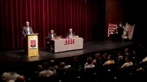 Vona Gábor tartott lakossági fórumot Komlón