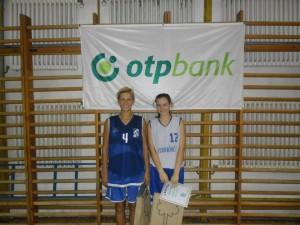 Mituk Erika balról - lánya a PVSK-ban, Ő maga a KBSK színeiben gyártja a pontokat