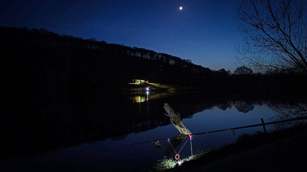 éjszakai horgászat